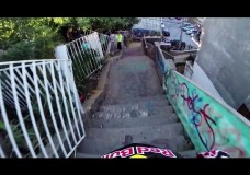 Insane Urban DH Mountain Bike POV – Red Bull Valparaiso Cerro Abajo 2015.