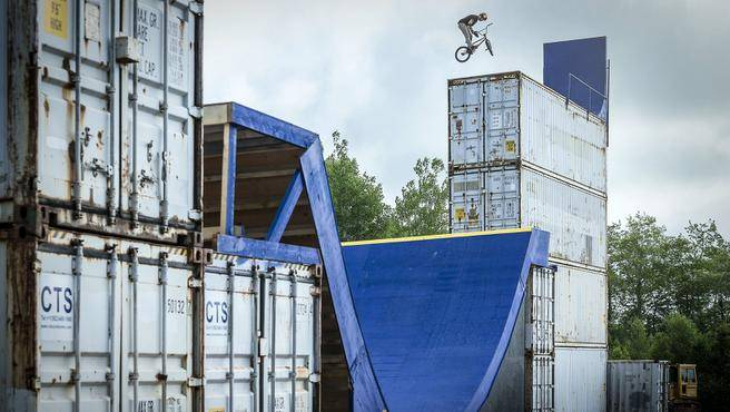 Drew Bezanson's Uncontainable.