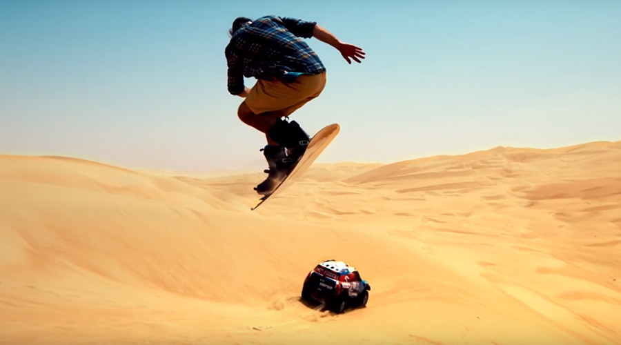Dune Shredding – Snowboarding in the Desert.