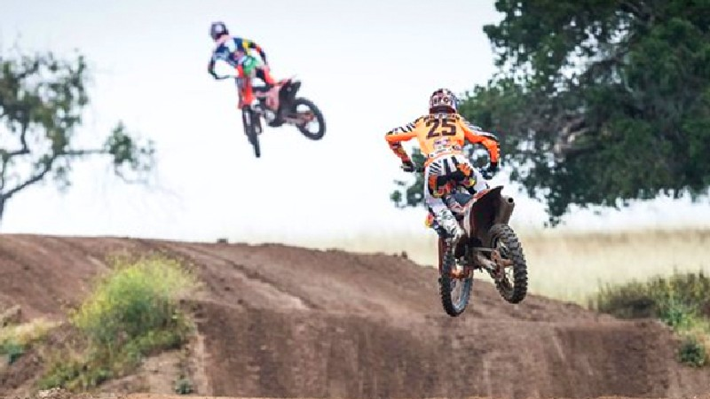 Ryan Dungey and Marvin Musquin Rip Zaca Station 1